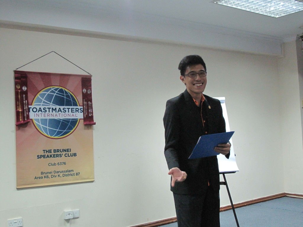 TM Macalister as our Toastmaster of the Evening
